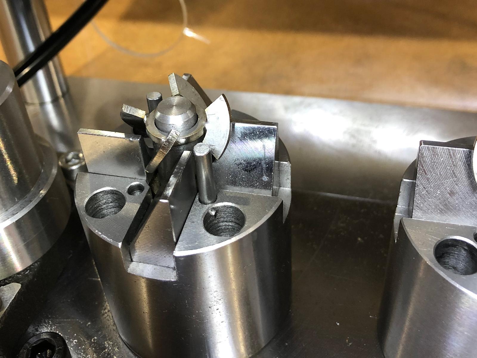 小物曲げ空圧装置
